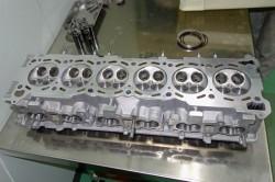 HKS2.8Lエンジンの組み立て サムネイル画像