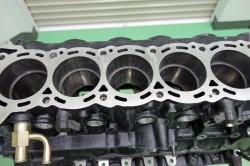 RB28エンジン組み立て サムネイル画像