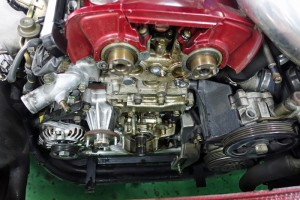 エンジンオイルの漏れ サムネイル画像